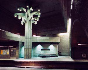Montreal_metro_georges_vanier_interior[1]